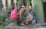 """""""Người rừng"""" bới rác nhặt thức ăn có... nhà mặt phố tiền tỷ"""