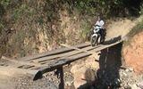 Clip: Người dân bị cô lập do sạt lở đất ở Kỳ Sơn (Nghệ  An)