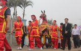Hàng nghìn người dự lễ hội cầu Ngư và đua thuyền đền Cờn