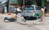 TP.HCM: Taxi gây đại náo trên đường phố, 2 người nhập viện