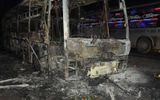 Xe khách giường nằm cháy trơ khung, 28 hành khách hoảng loạn