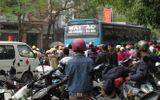 Thai phụ tháng thứ 7 tử nạn dưới bánh xe ô tô