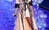 """Taylor Swift - """"thiên thần danh dự"""" của Victoria"""