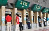 Người nước ngoài ngạc nhiên vì ngân hàng Việt thu phí thẻ ATM