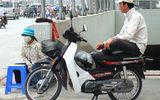 Lạ lùng chạy xe ôm, sửa xe đạp cũng phải xin phép kinh doanh
