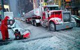 Bão tuyết lịch sử hơn 100 năm qua khiến nước Mỹ tê liệt