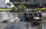 Tránh xe đạp, xe mô tô dẫn đoàn đua bị cháy nổ