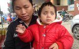 Nỗi lòng người mẹ nghèo nhìn con gái mù lòa trong bất lực