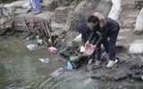 Sông ngập rác sau lễ thả cá chép tiễn ông Táo về trời