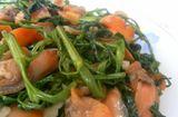 Ăn - Chơi - Học chế biến sò huyết xào rau muống thơm ngậy
