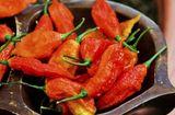 Ăn - Chơi - Thực quản rách toạc do ăn loại ớt ma cay nhất thế giới