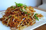 Ăn - Chơi - Mì xào nước tương Quảng Đông – Món ăn đặc trưng của ẩm thực Trung Hoa