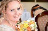 Gia đình - Tình yêu - Kỳ lạ cô dâu tự cưới chính mình