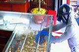 An ninh - Hình sự - Thiếu nữ 16 tuổi táo bạo cướp tiệm vàng giữa ban ngày