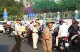 Tin trong nước - Ngày đầu phân luồng cửa ngõ Tân Sơn Nhất, dân Sài Gòn ngơ ngác