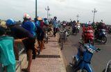 Tin trong nước - Một phụ nữ hơn 65 tuổi bỏ lại xe máy, nhảy xuống sông tự tử