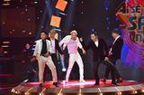 """Tin tức giải trí - Thí sinh nhí vừa hát vừa nhảy nhạc Michael Jackson, """"cân"""" cả đội hình MTV"""