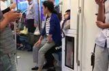 Cộng đồng mạng - Bị từ chối nhường ghế xe điện ngầm, bà sồn sồn leo tót vào lòng trai trẻ ngồi