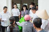 Tin tức giải trí - Miss Earth Việt Nam Hà Thu và Hoa hậu Hằng Nguyễn chung tay làm từ thiện