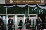 Tin thế giới - 3 cảnh sát Thái Lan bị nghi hỗ trợ bà Yingluck bỏ trốn