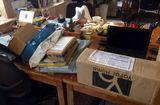 Tin thế giới - Vợ nghiện mua hàng online khiến gia đình nợ hơn 5 tỷ đồng