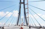 Tin trong nước - Cầu 5.700 tỷ bắc qua sông Hậu chưa khánh thành đã nứt dầm