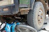 Tin trong nước - Xe ben đâm xe máy, hai mẹ con tử vong tại chỗ