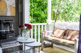 Nhà đẹp - Góc thư giãn ngoài trời đẹp long lanh khiến ai cũng mê