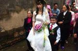 Tin tức - Vượt qua rào cản chiều cao, chú rể 1m hạnh phúc nắm chặt tay cô dâu 1m60