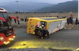 Tin trong nước - Đà Nẵng: Lật xe khách khiến 3 người tử vong