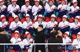 Tin tức - Đội cổ động Triều Tiên tức giận khi gặp người giả Kim Jong Un