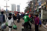 Tin tức - Người dân ùn ùn kéo về Hà Nội sau kỳ nghỉ Tết Mậu Tuất