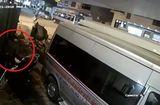 Tin tức - Clip: Bẻ khóa trộm xe SH trong 3 giây trên phố Hà Nội