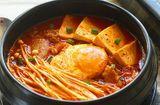 Tin tức - Bữa tối đầu tuần ngon hết ý với món canh kim chi thịt heo chuẩn vị Hàn Quốc