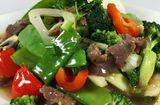 Tin tức - Thịt bò xào thập cẩm dinh dưỡng cho bữa cơm trưa