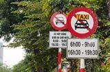 Tin tức - Không gỡ biển cấm taxi ở 11 tuyến phố tại Hà Nội