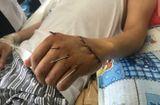Y tế - Cận cảnh bàn tay đứt rời được nối
