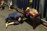 Tin tức - Không cản được chồng sắp cưới nhảy cầu tự tử, cô gái trẻ ngồi khóc thảm thiết