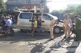 Tin tức - Xe tải va chạm xe du lịch, 6 người bị thương