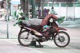 Tin tức - Hậu vận của những người trúng số (Kỳ 5): Tỷ phú bỗng trắng tay vì… mua mì tôm mong trúng thưởng xe máy