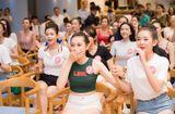 Tin tức - Thí sinh Hoa hậu Việt Nam xem World Cup thôi mà, có cần xinh đẹp đến vậy không?