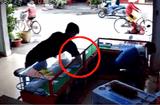 Tin tức - Camera ghi hình thanh niên táo tợn trộm 2 iPhone 7 plus trong tích tắc