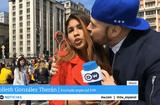Tin thế giới - Nữ phóng viên bị sàm sỡ ngay trong bản tin trực tiếp World Cup 2018