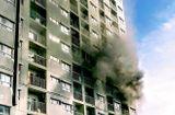 Tin tức - Chung cư ở Sài Gòn bốc cháy nghi ngút, người dân hoảng loạn thoát thân
