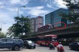 Tin tức - Vụ xe máy ép xe khách lùi ở đường trên cao: Công an vào cuộc xác minh