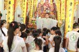Sống đẹp - Các thí sinh Cuộc thi Tìm Kiếm Thiên Tài Nhí 2018 nghe giảng về đạo Phật tại chùa Tăng Phúc Tự