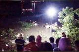 """Tin tức - Vụ xe máy """"kẹp"""" 4 lao xuống sông: Tìm thấy thi thể đôi nam nữ"""