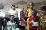 Tin tức - 2 cháu bé sống sót trong vụ tai nạn 13 người chết được hỗ trợ gần 5 tỷ đồng