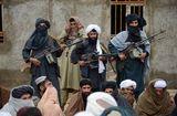 Tin thế giới - Taliban bất ngờ tấn công căn cứ quân sự của Afghanistan, giết chết 45 người