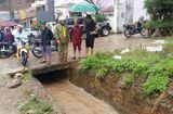 Tin tức - Sơn La: Bé trai tử vong do ngã xuống mương thoát nước